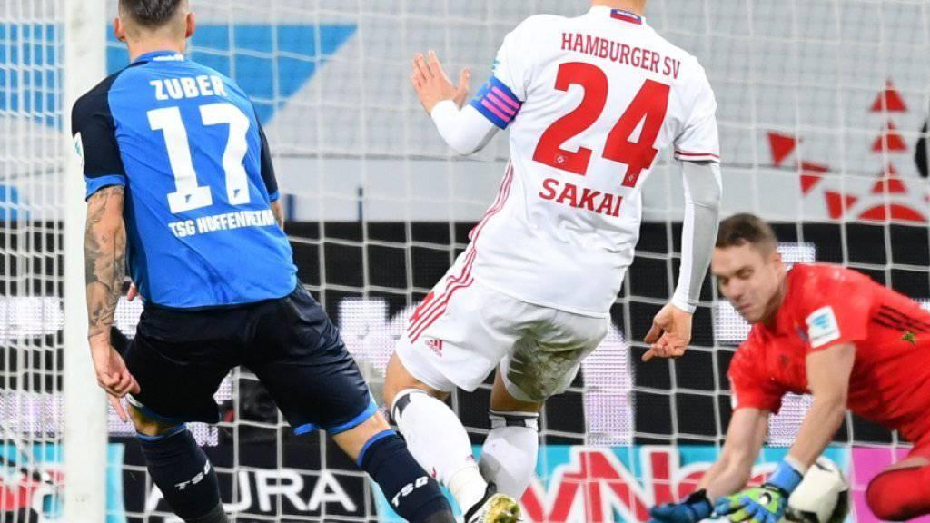 Der Schweizer Steven Zuber trifft für Hoffenheim gegen den Hamburger SV