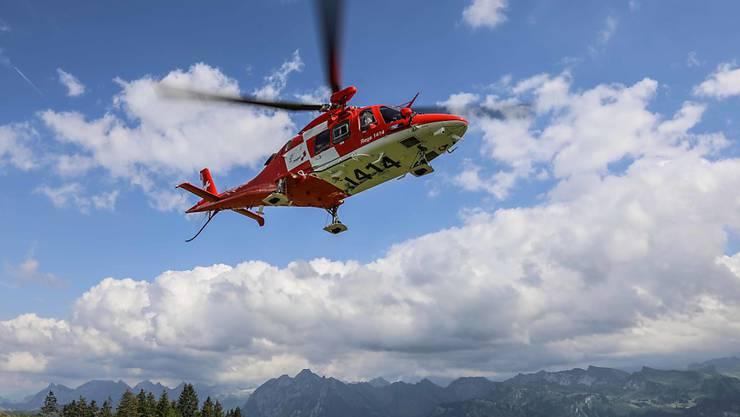 Rund 150 Mal über die Auffahrtstage im Einsatz: Ein Helikopter der Rega. (Symbolbild)