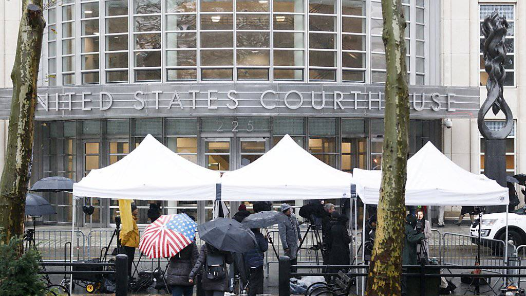 Unter strengsten Sicherheitsvorkehrungen hat am Dienstag in New York der Prozess gegen den mexikanischen Drogenboss «El Chapo» begonnen.