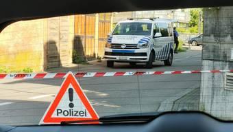 Polizeieinsatz in Klingnau - Blick auf die Grabenstrasse, wo sich der Hintereingang zum Polizeiposten befindet