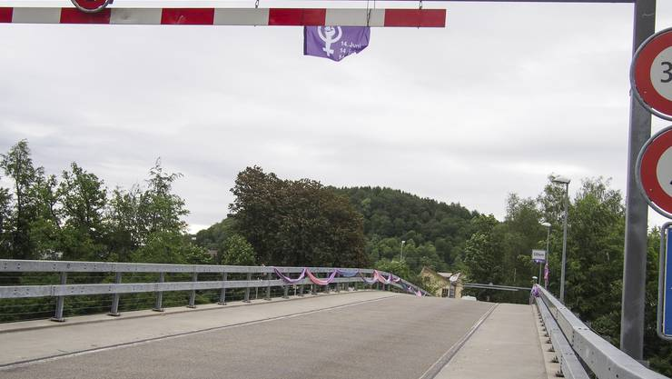 In Trimbach macht ein neugegründetes Frauenstreik-Kollektiv aufmerksam auf den 14. Juni.