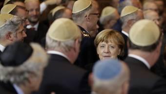 Angela Merkel bei ihrer ankunft in der Synagoge in München.