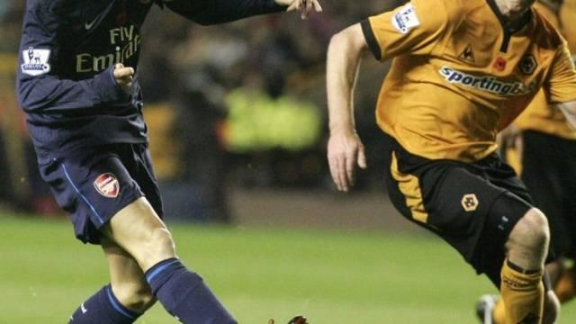 Cesc Fabregas trifft für die Gunners.
