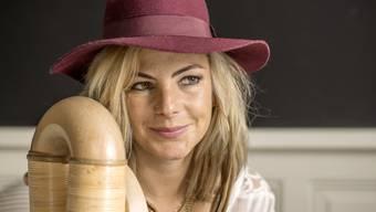 """Nein, Eliana Burki ist nicht, was man sich unter einer traditionellen Alphornspielerin vorstellt: """"Ich bin eine Rebellin"""" (Archiv)."""