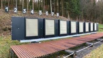 Vor dem Erdwall im Scheibenstand der Schiessanlage in Tägerig wurde ein neuer Kugelfang installiert.
