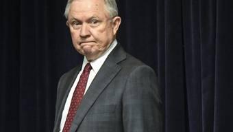 Bietet Präsident Trump die Stirn: US-Justizminister Sessions (in einer Aufnahme vom 9. August 2018).
