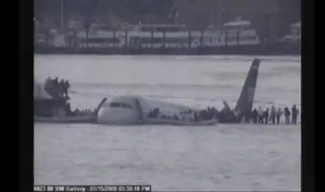 Vor 10 Jahren Sully Landet Spektakulär Auf Hudson River Shows
