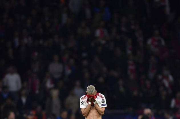 Hakim Ziyech hat die Amsterdamer zwar mit einem herrlichen Tor 2:0 in Führung geschossen, aber am Schluss weinte auch er bittere Tränen.