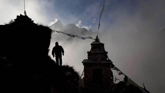 Die Hilfe für gestrandete Touristen am Mount Everest läuft an (Archiv)