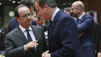 Der französische Präsident Hollande (links) im Gespräch mit dem britischen Noch-Premier Cameron Ende Juni in Brüssel.
