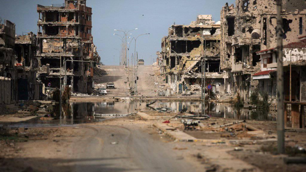 Zerstörungen in der Stadt Sirte - Libyen versinkt seit  2011 in einem Bürgerkrieg. (Archivbild)