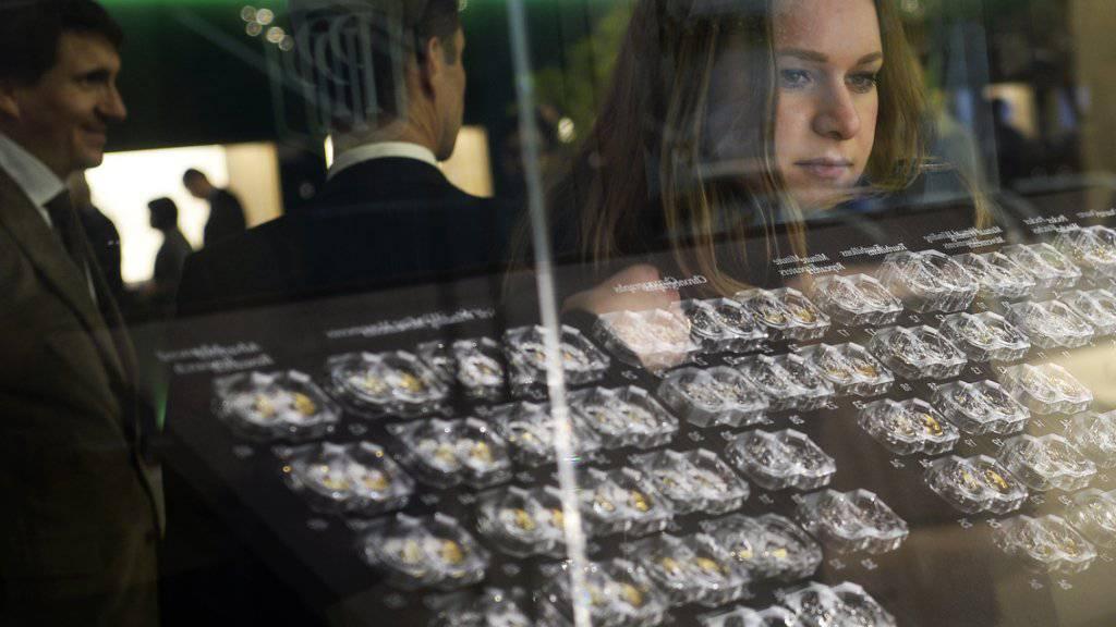 Uhren, wohin das Auge reicht: Die Baselworld 2016 hat ihre Tore geöffnet.