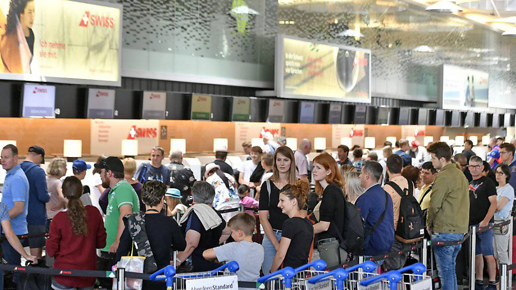 Schlechte Noten für Schweizer Flughäfen Zürich und Genf