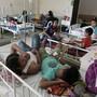 Dengue-Patienten werden in einem Spital auf den Philippinen behandelt. Nach mehr als 600 Toten durch das Dengue-Fieber hat die Regierung den Notstand erklärt. (Archvbild)