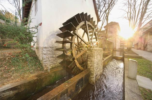 Das Mühlrad bekamen die Aarauer vor knapp 50 Jahren geschenkt.