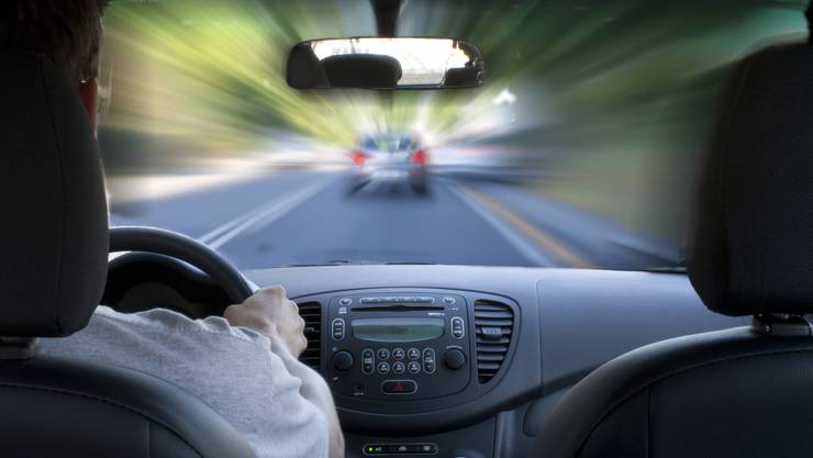 Der Autorowdy ist für diverse gefährliche Manöver verantwortlich. (Symbolbild)