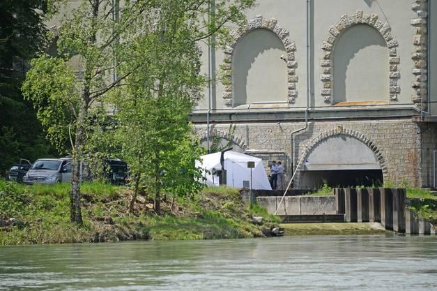 Die Staatsanwaltschaft Brugg-Zurzach eröffnete zur Klärung der Todesursache und -umstände eine Untersuchung.