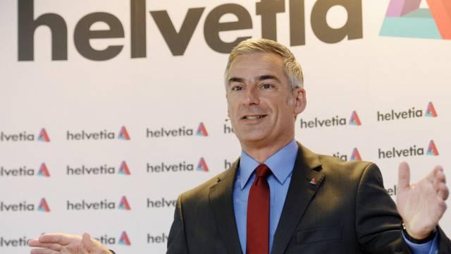 Helvetia-Chef Stefan Loacker vor den Medien am Montag in Kloten