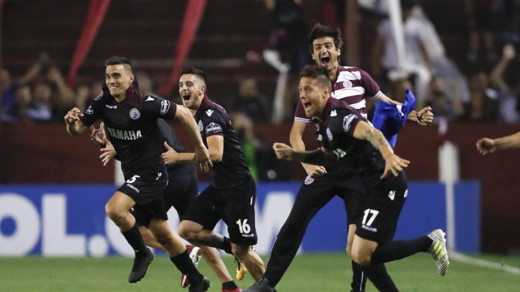 Die Spieler von Lanus feiern den Final-Einzug in der Copa Libertadores