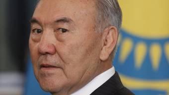Regiert autoritär: Kasachstans Präsident Nursultan Nasarbajew (Archiv)