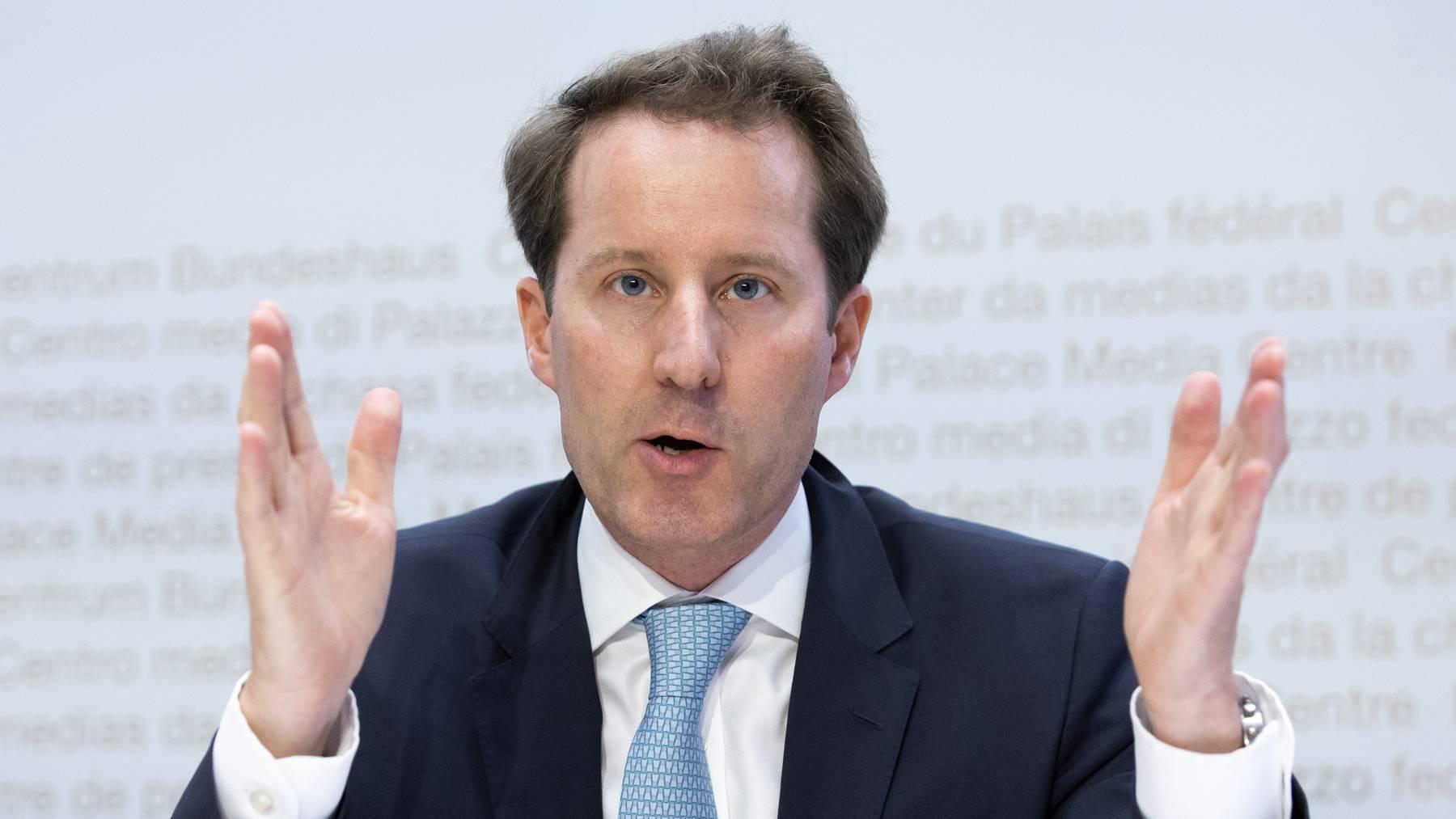 Thomas Aeschi, Fraktionspräsident der SVP und Mitglied der Gerichtskommission, lädt einen SVP-Bundesrichter zur Anhörung vor.