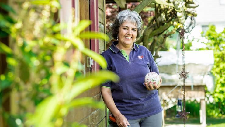Doris Hirt war 24 Jahre lang im Samariterverein Lenzburg und Umgebung als Samariterlehrerin tätig. Nach ihrem Rücktritt hat sie mehr Zeit für den Garten. Chris Iseli