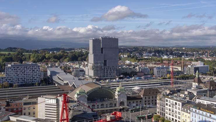 Der Halbstundentakt zwischen dem Bahnhof Basel (hier im Bild) und Biel verzögert sich um zwei Jahre.