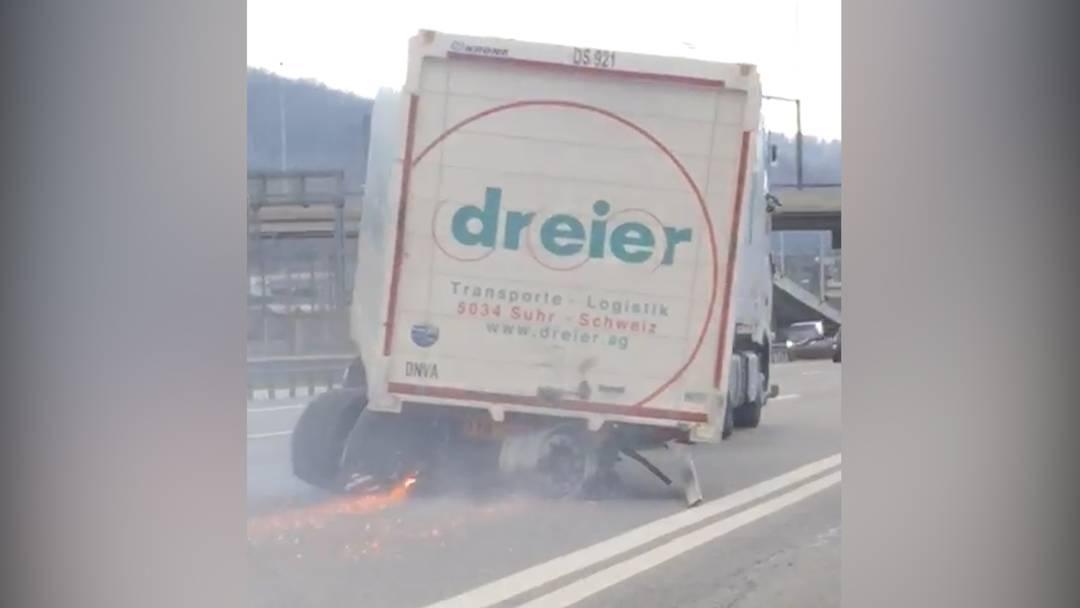 A1: Demolierter Lastwagen fährt ungebremst weiter