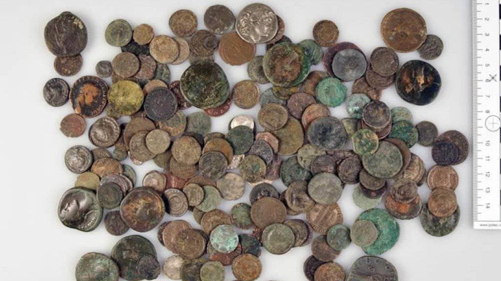 Antike Münzen wurden in Liegeschaften und in Bankschliessfächern in der Schweiz, Deutschland und Österreich beschlagnahmt. (Archiv)