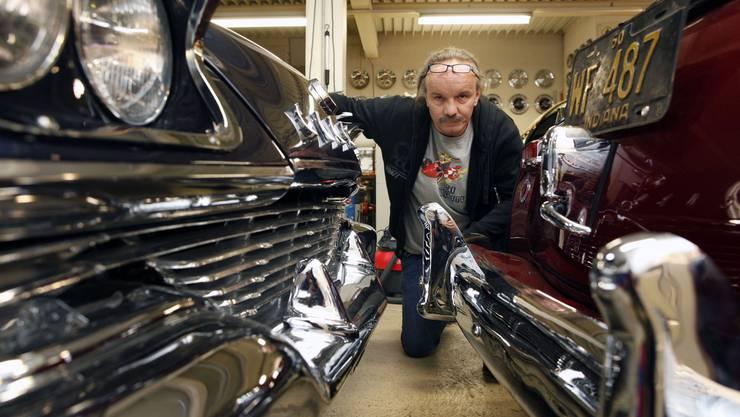 Thomy Baur mit seinen Auto-Preziosen