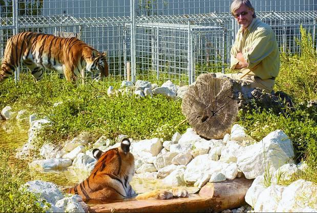 René Strickler mit seinen Tieren.