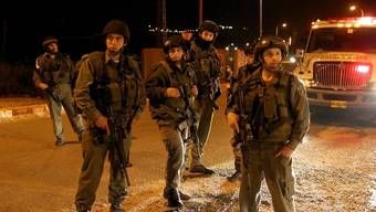 Strassenkontrolle nach dem tödlichen Überfall im Westjordanland