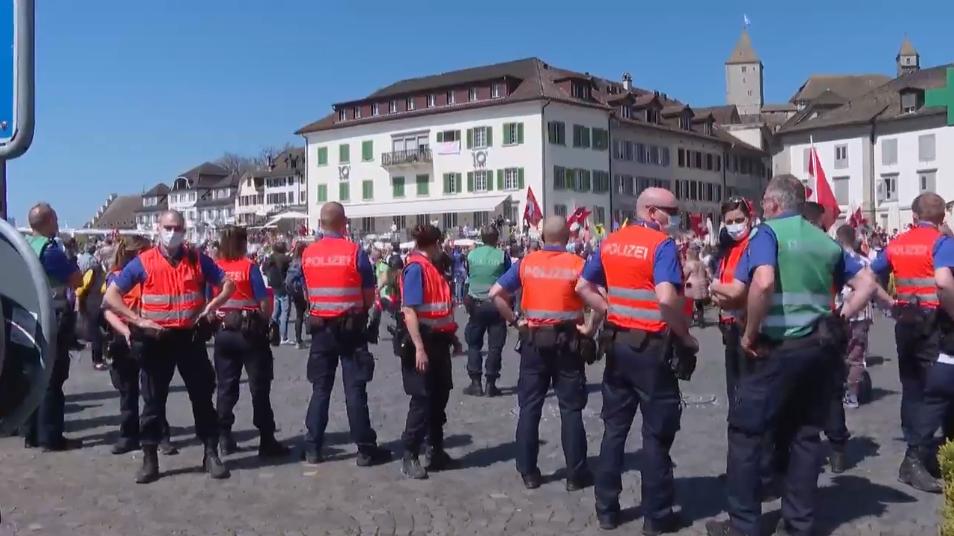 Ist die Polizei an unbewilligten Corona-Demos zu zurückhaltend?