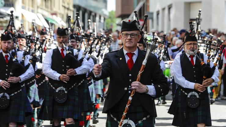 Die Pipes and Drums of Basel defilierten am Samstag durch die Innenstadt.