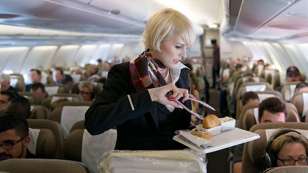 Verpflegung auch bei Flügen ab Zürich künftig kostenpflichtig