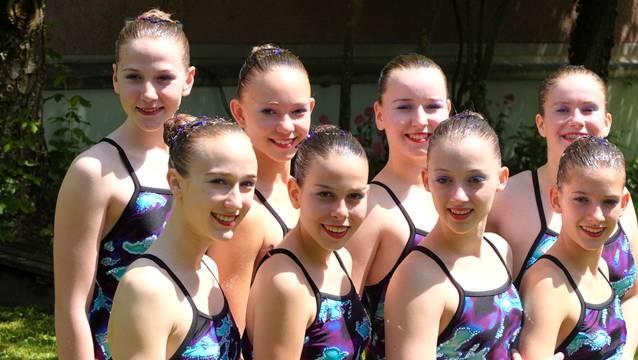Das erfolgreiche Team in der Jugend-2-Kategorie: Rabea Heinzmann, Annika Dunkel, Lisan Vugts, Fabienne Fluri (hinten von links) Elena Frei, Fiona Bigolin, Livia Mühlheim, Mara Bachl (vorne von links).