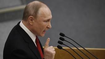 Denkt gar nicht ans Abtreten - im Gegenteil: die jetzige Amtszeit von Russlands Präsident Wladimir Putin wird nicht seine letzte sein.
