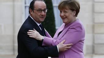 Freundlicher Empfang, aber kein Entgegenkommen: François Hollande und Angela Merkel.