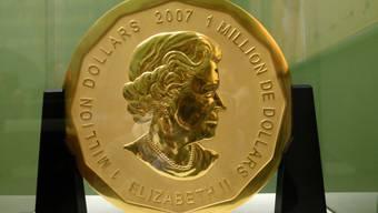 """Diese 100 Kilogramm schwere Goldmünze """"Big Maple Leaf"""" wurde im März aus dem Berliner Bode-Museum gestohlen. Jetzt scheint die Polizei eine heisse Spur zu haben. (Archiv)"""