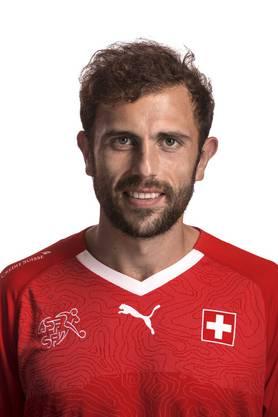Admir Mehmedi: 4,5 Ein Zwicken im Oberschenkel zwingt ihn schon nach 28 Minuten zum Aufgeben. Hat seinen Anteil am Sieg, weil er vor dem 1:0 ablegt.