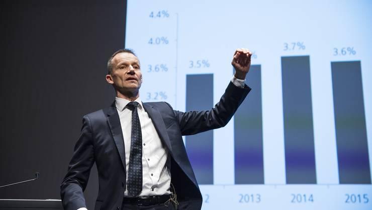 Donald Trump als potenzielles Risiko für eine Wirtschaftskrise im Auge behalten: UBS-Chefökonom Daniel Kalt während seines Referats.