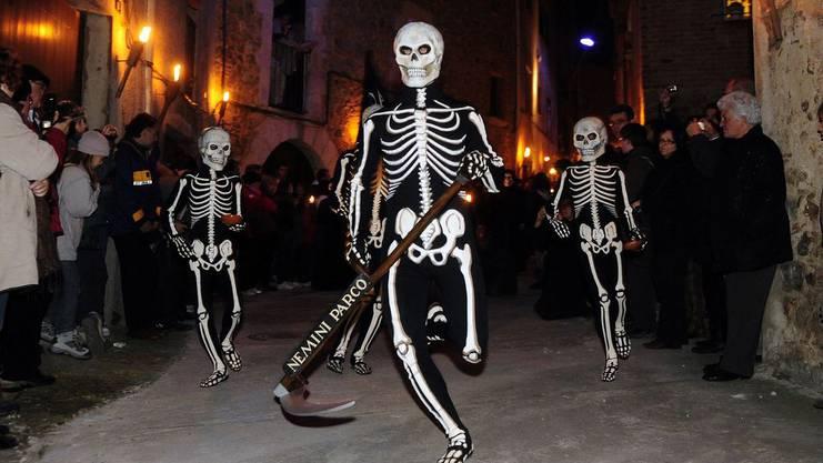 In Spanien tanzen die Skelette