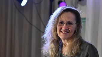 Monica Aeschbacher freut sich über den Anerkennungspreis der Stadt.
