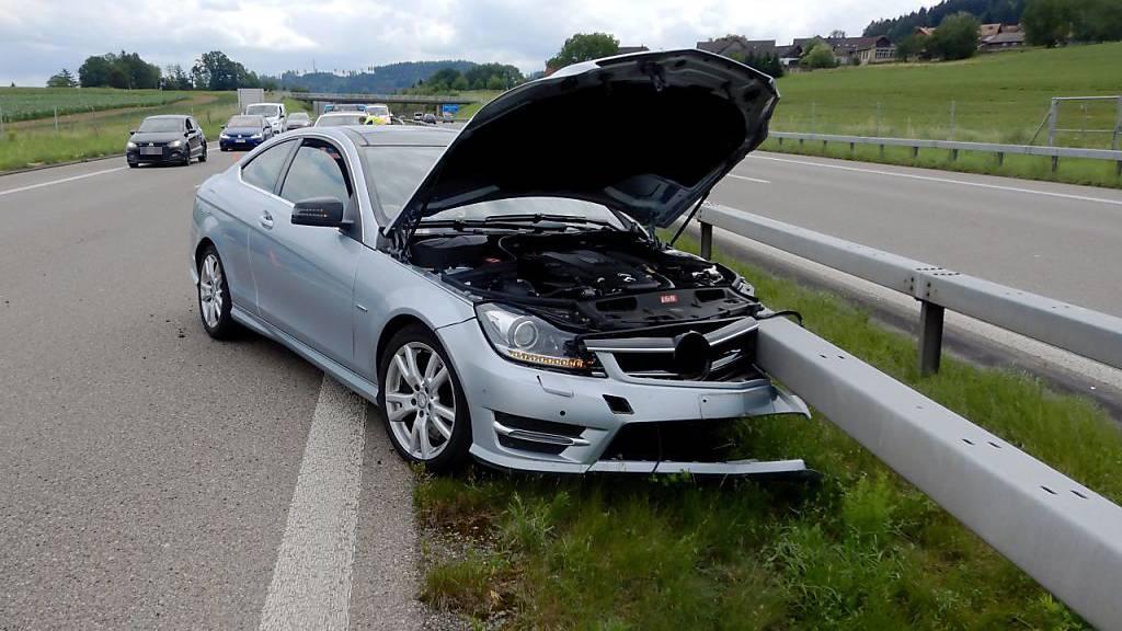 Selbstunfall bei Sekundenschlaf auf A1 im Kanton Thurgau
