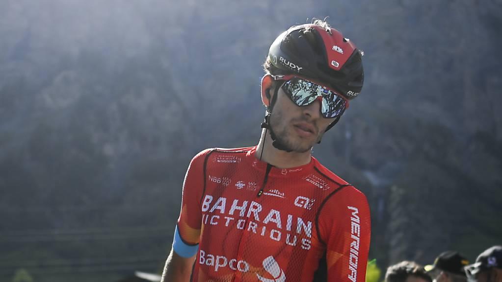 Gino Mäder spendet für jeden Fahrer, den er auf einer Vuelta-Etappe hinter sich lassen konnte, einen Euro zugunsten eines gemeinnützigen Zwecks.