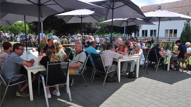Gut besuchte Jubiläumsfeierlichkeiten im Restaurant St. Urs.