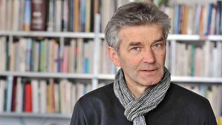 Der Autor ist freischaffender Journalist mit Spezialgebiet Nordafrika, Referent undLeiter von Kursen und Studienreisen. Der gebürtige Aargauer wohnt und arbeitetin Basel.