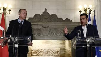Demonstrieren Einigkeit: Der türkische Präsident Erdogan und der griechische Ministerpräsident Tsipras.