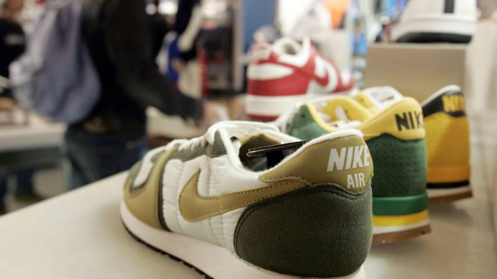 Ein Paar alte Nike-Turnschuhe sind für über 160'000 Dollar unter den Hammer gekommen. (Symbolbild)