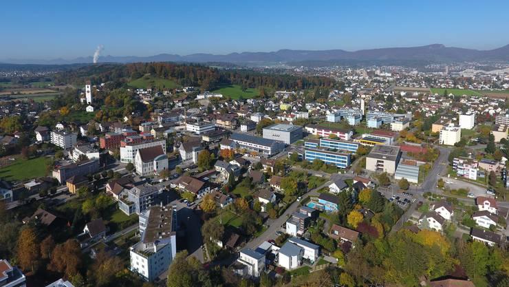 Das Abstimmungsbüchlein und sein Inhalt sorgen in der Gemeinde Suhr derzeit für Knatsch.